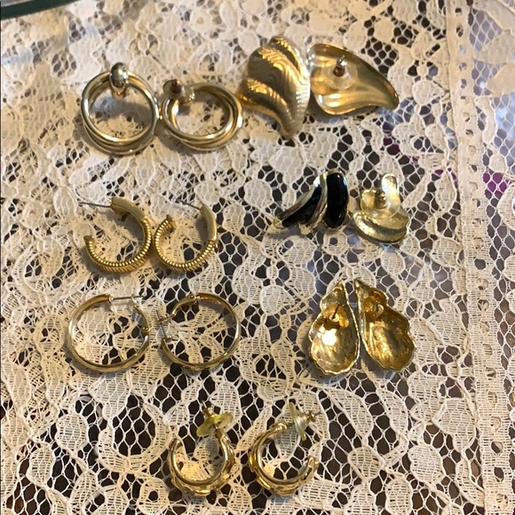 COPY - ESTATE Jewelry 7 pairs of gold toned earr…